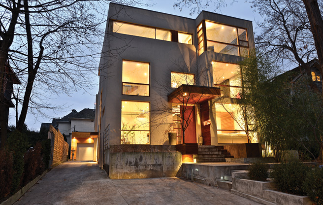 house-of-the-week-210-poplar-plains-road-toronto-intro