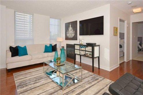 35 MERTON STREET - SUITE #606 - LIVING ROOM